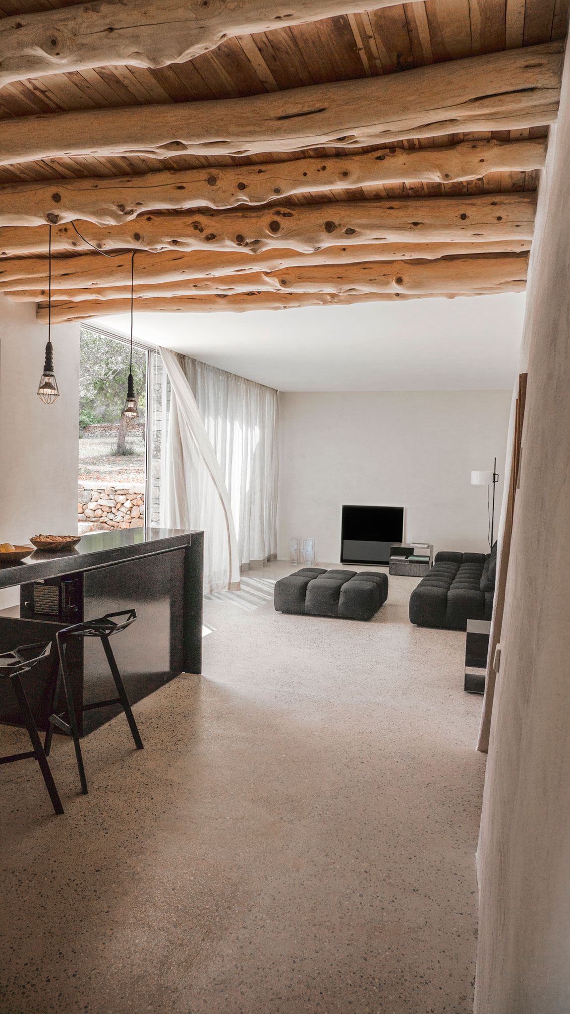 Modern Finca Can Basso transformation living room and kitchen