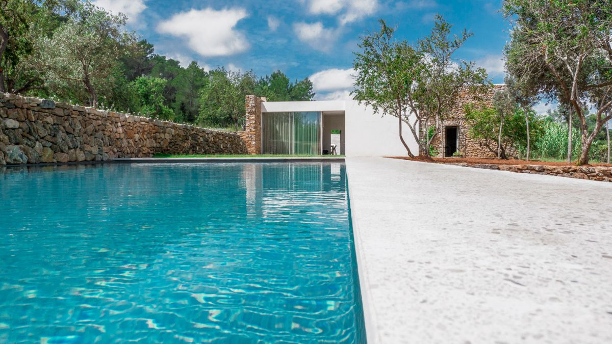 Modern Finca Can Basso transformation poolside area