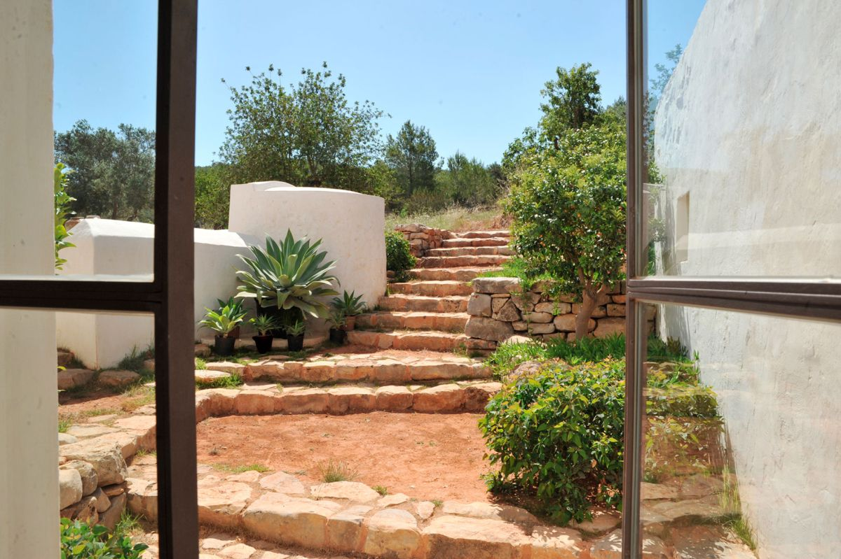 Modern Finca Can Basso transformation stone stairs
