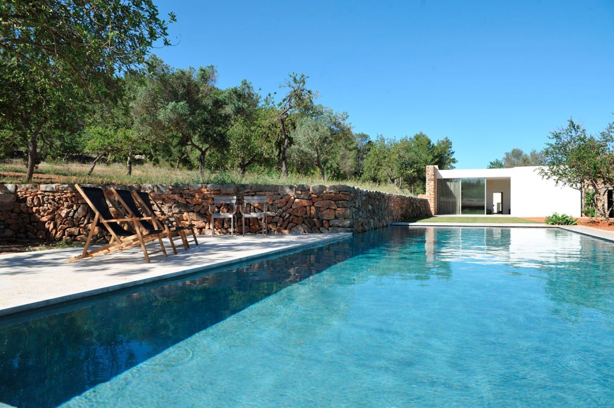 Modern Finca Can Basso transformation swimming pool