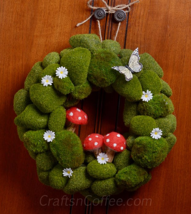 Moss DIY spring wreath