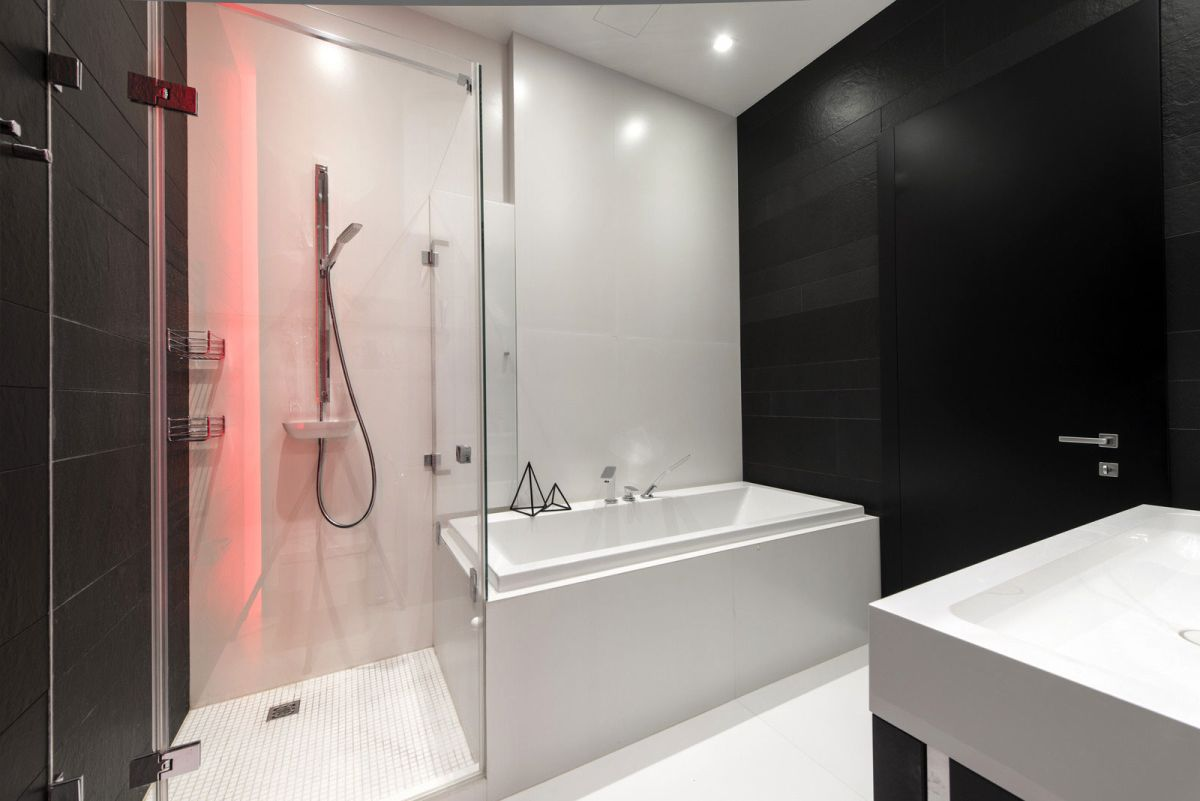 Neon Apartment in Moscow bathroom black and white