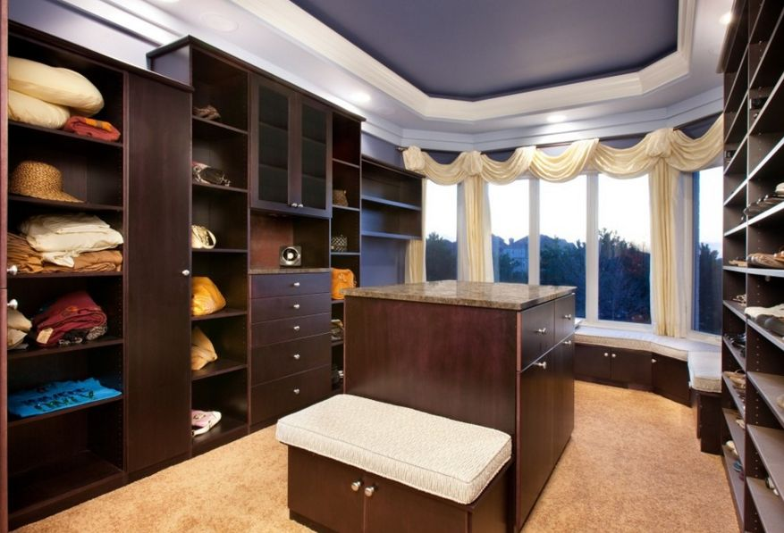 Organization system for walk in closets