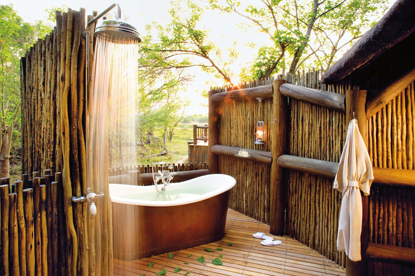 outdoor forest tub - Outdoor Bathroom