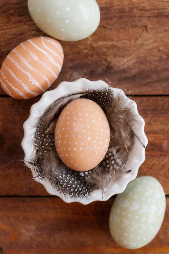 Paint pen eggs