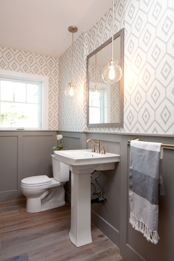30 gorgeous wallpapered bathrooms for Bathroom ideas uk pinterest