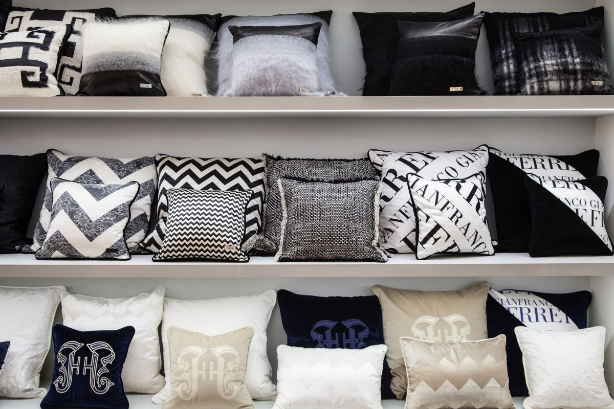 Pillows around the house - a must have piece of decoration