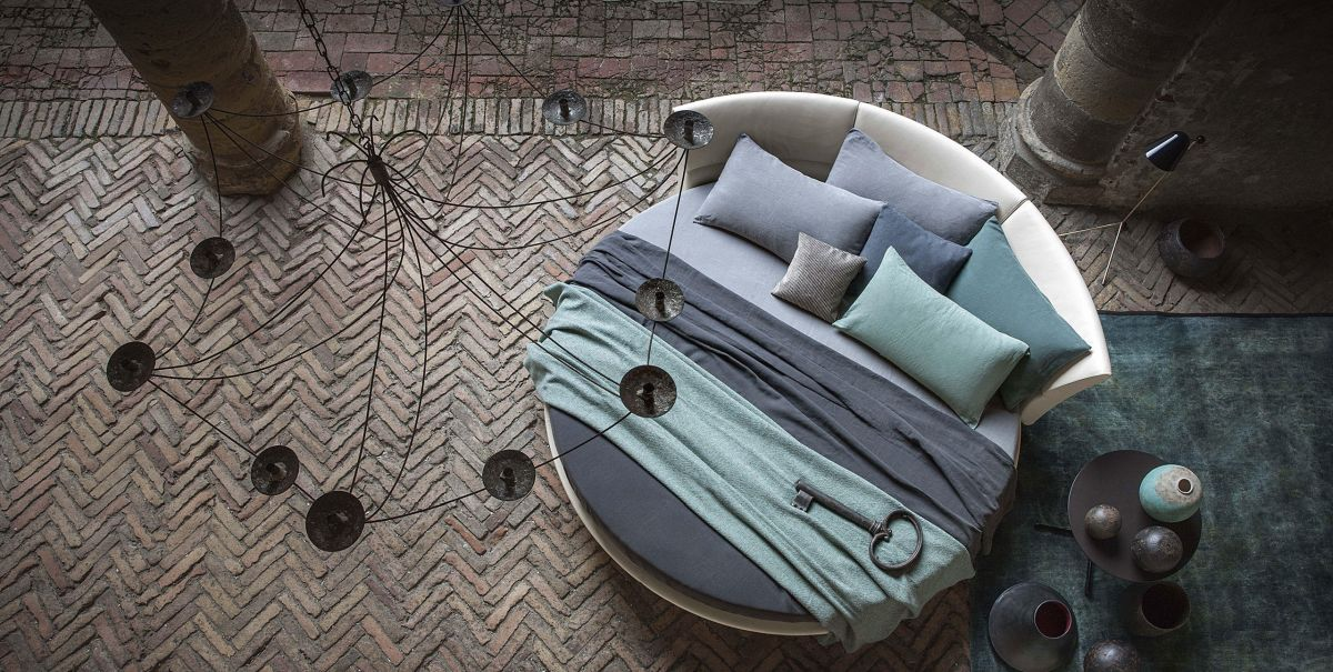 Poltronafrau round bed