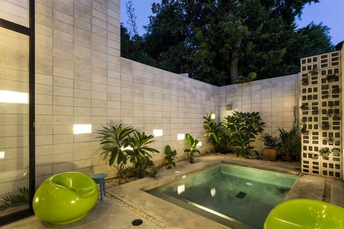 Raw House in Yucatan pool and courtyard