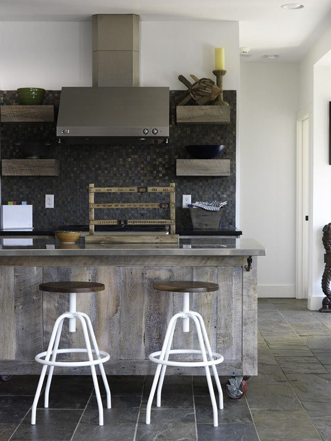 Rustic and industrial elements for kitchen