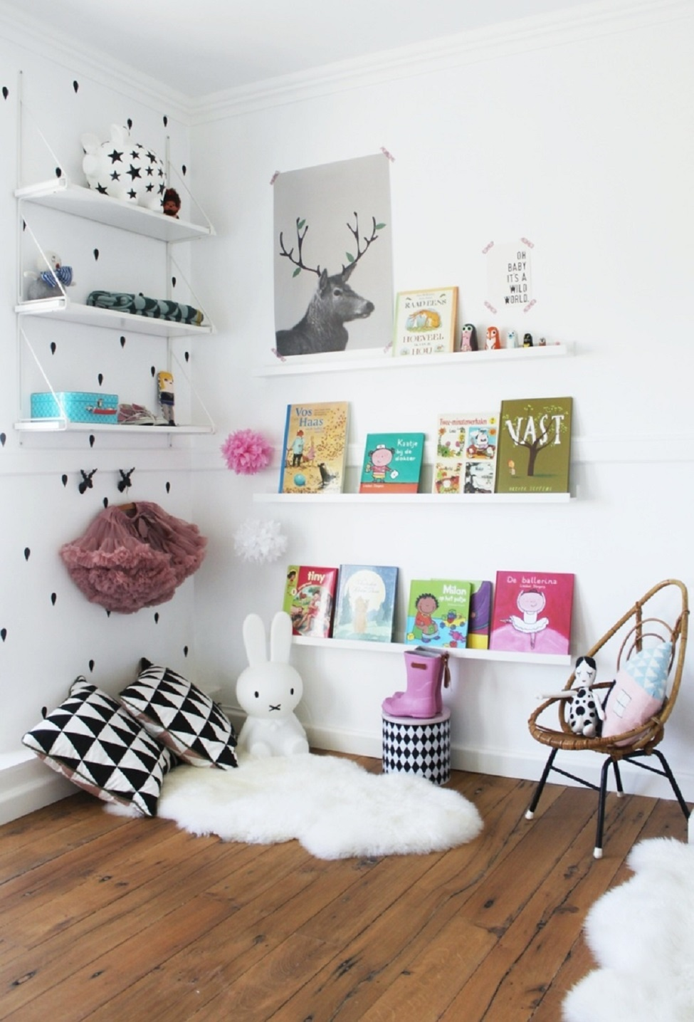 Scandinavian reading nook