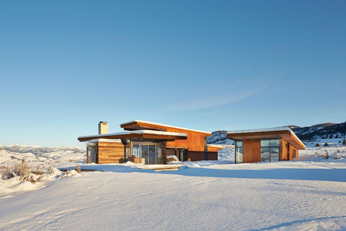 Studhorse residence winter view