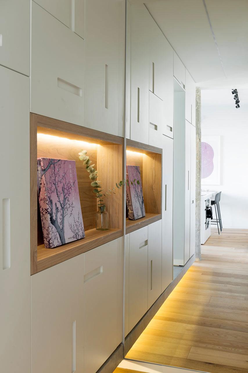 Tel Aviv apartment with Japanese design influences -furniture and flooring