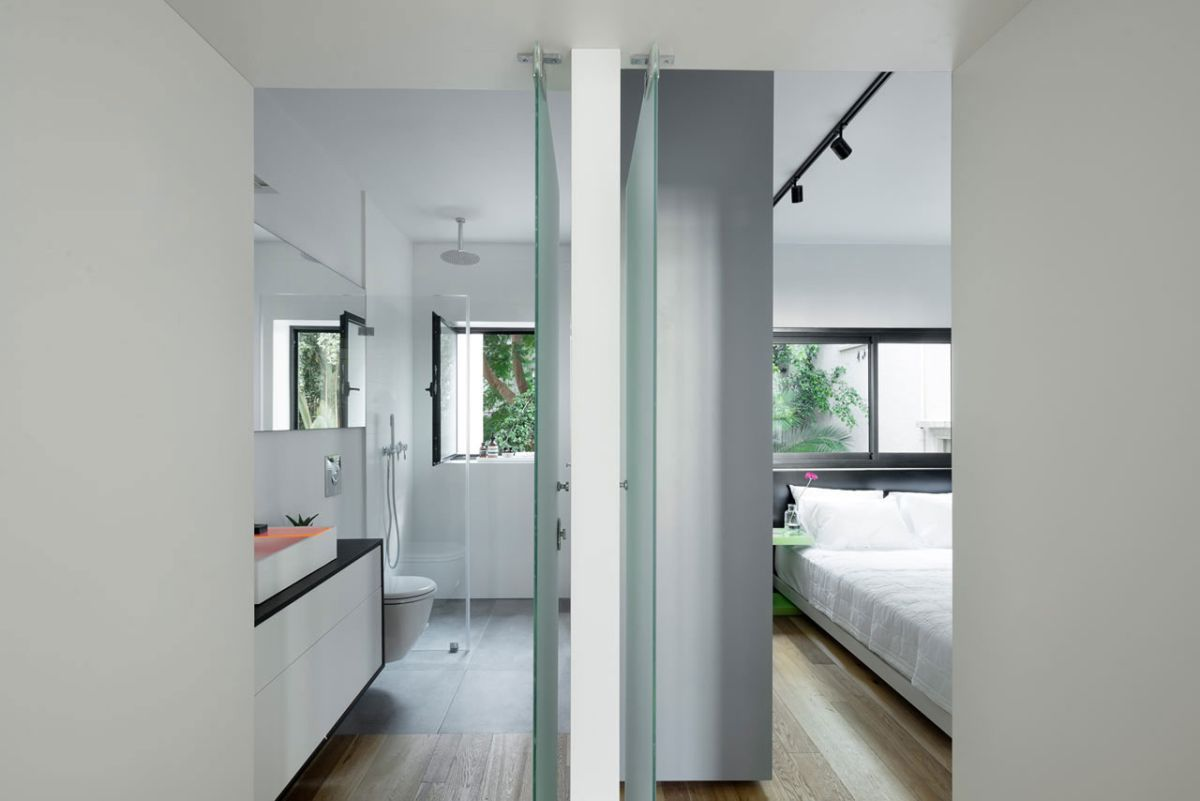 Tel Aviv apartment with Japanese design influences -second bedroom and bath