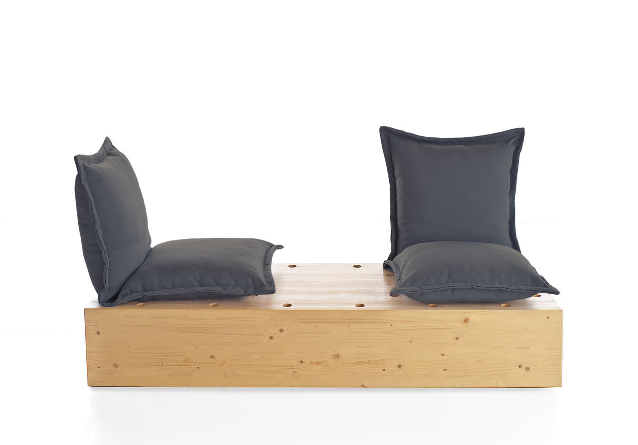 The Facile sofa black
