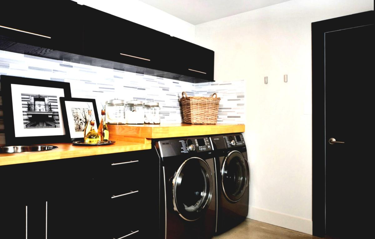 Urban black laundry room