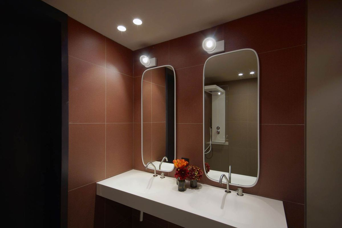 West Apartment Ransome's Dock bathroom brown and white