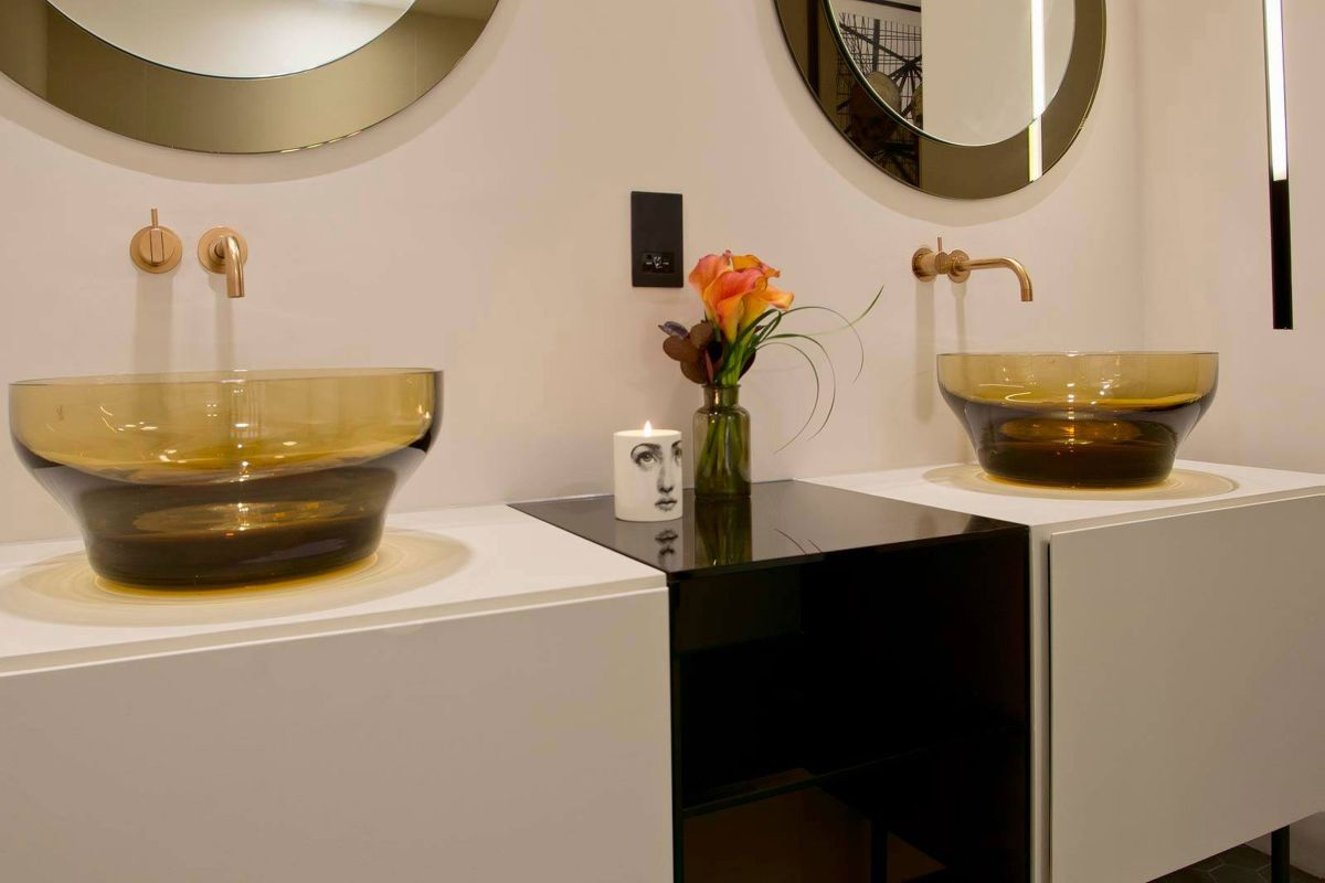 West Apartment Ransome's Dock bathroom sinks