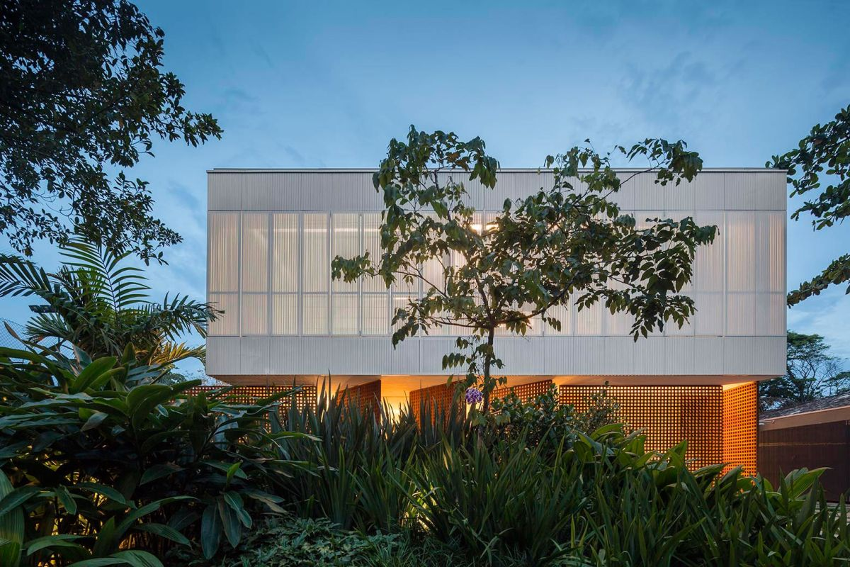 Beautiful White House In Brazil Enclosed By Curtains Great Ideas