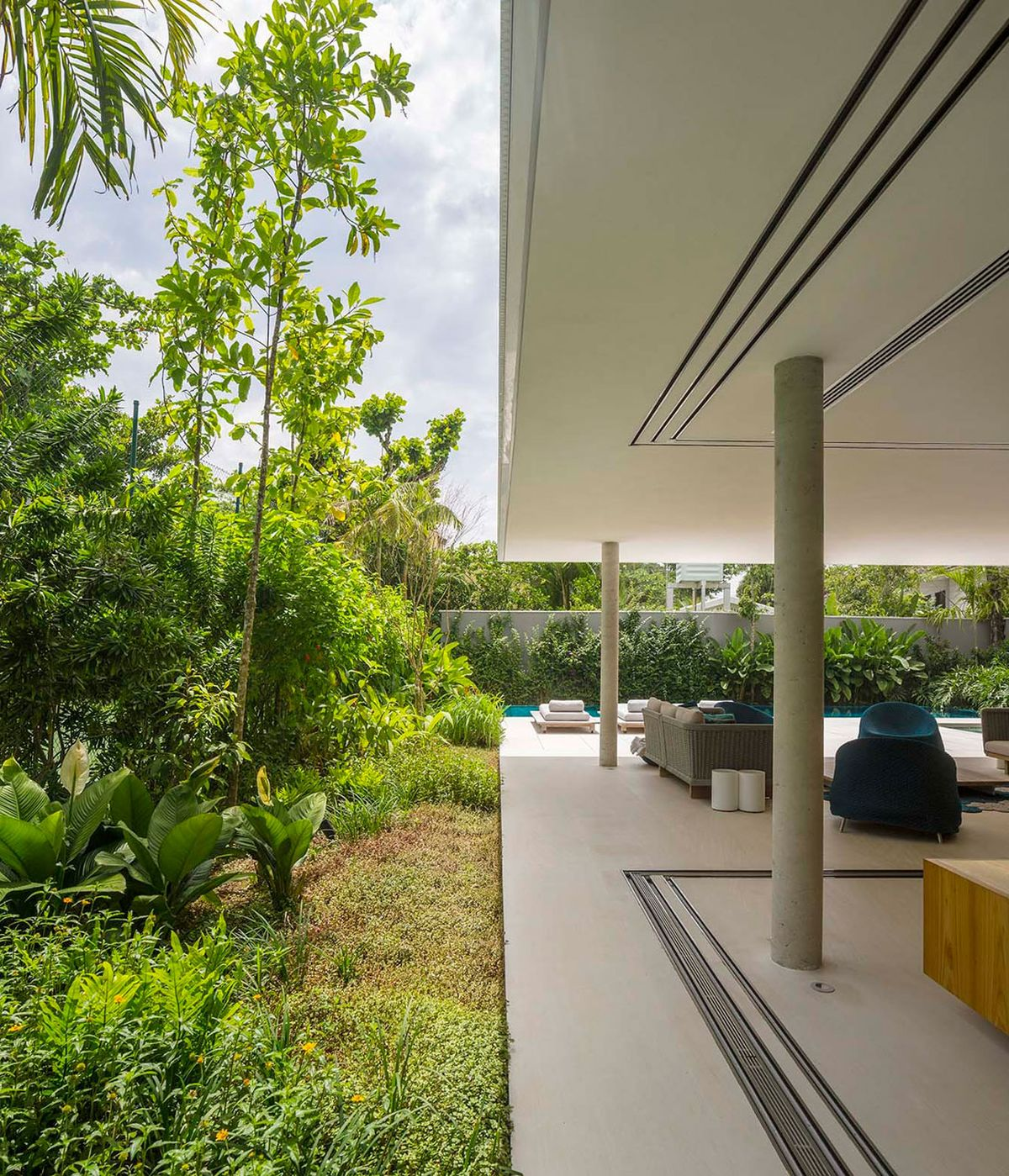 Wonderful White House In Brazil Outdoor Social Area