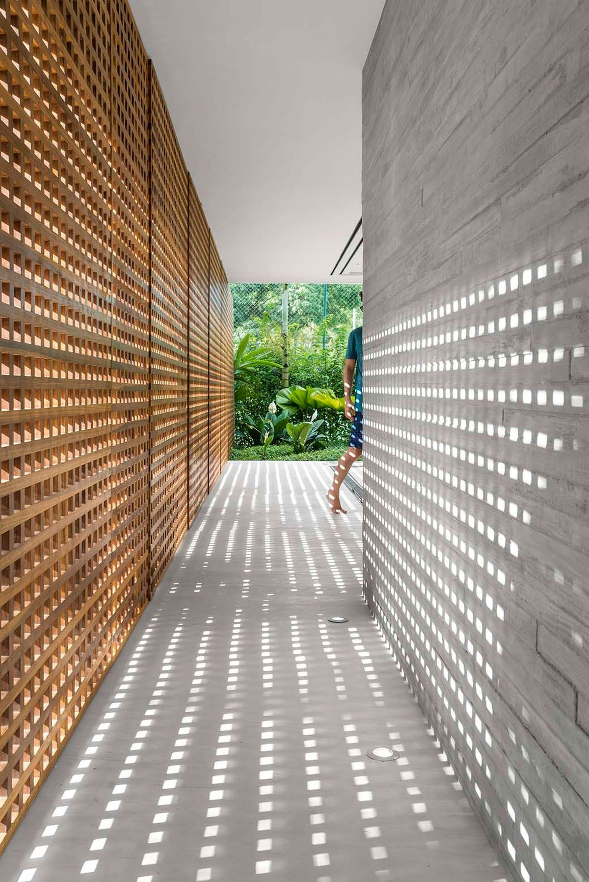 White House in Brazil perforated wood walls