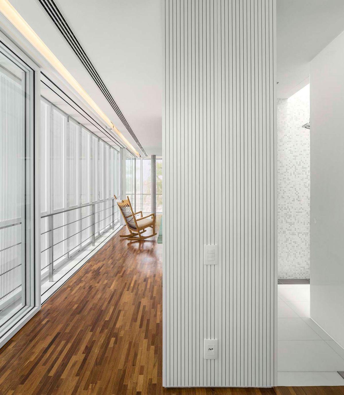 White House in Brazil upper level wood floor