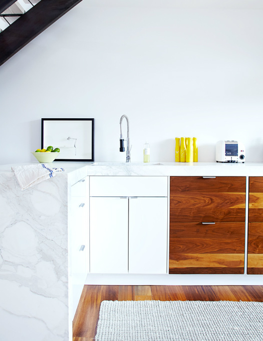 Wood and marble kitchen design