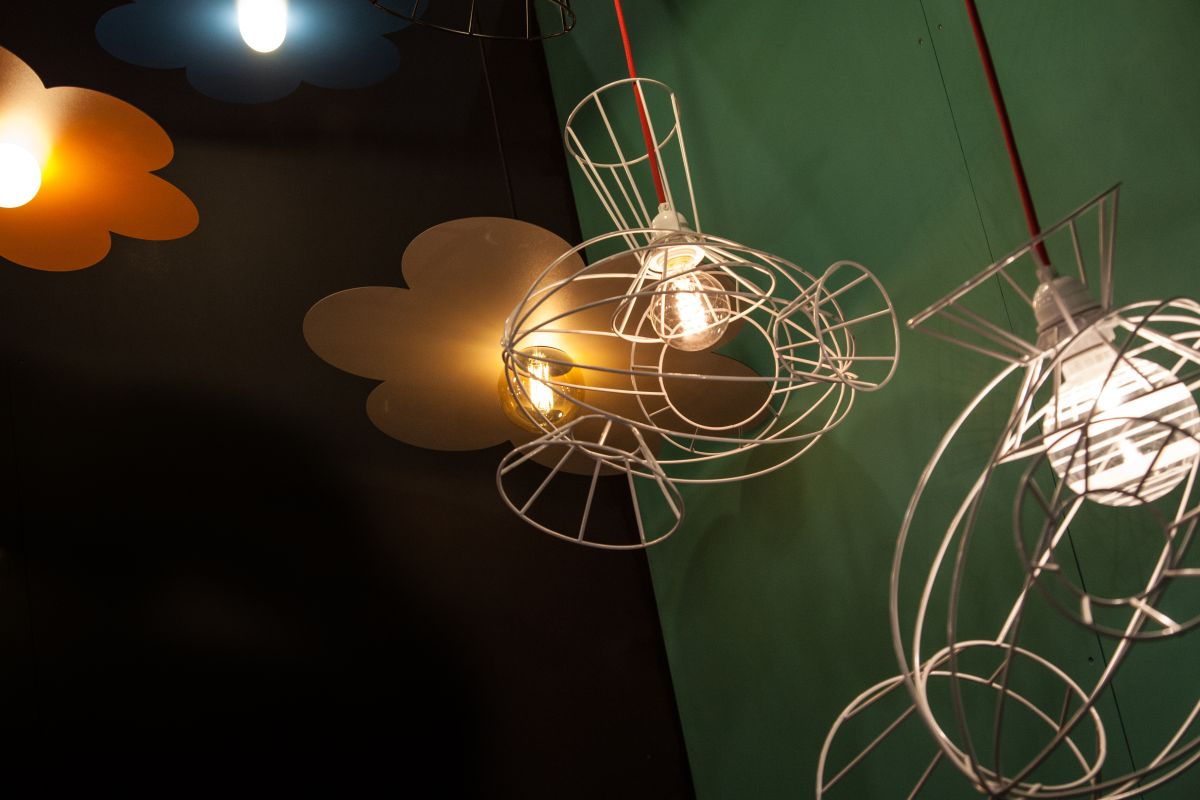 challieres wire pendant