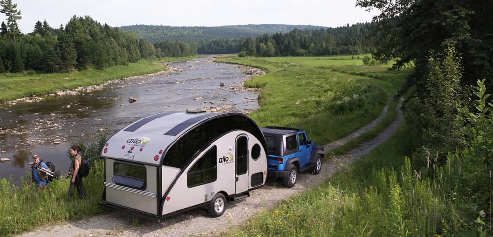 Alto R 1713 and R 1723 recreational campers