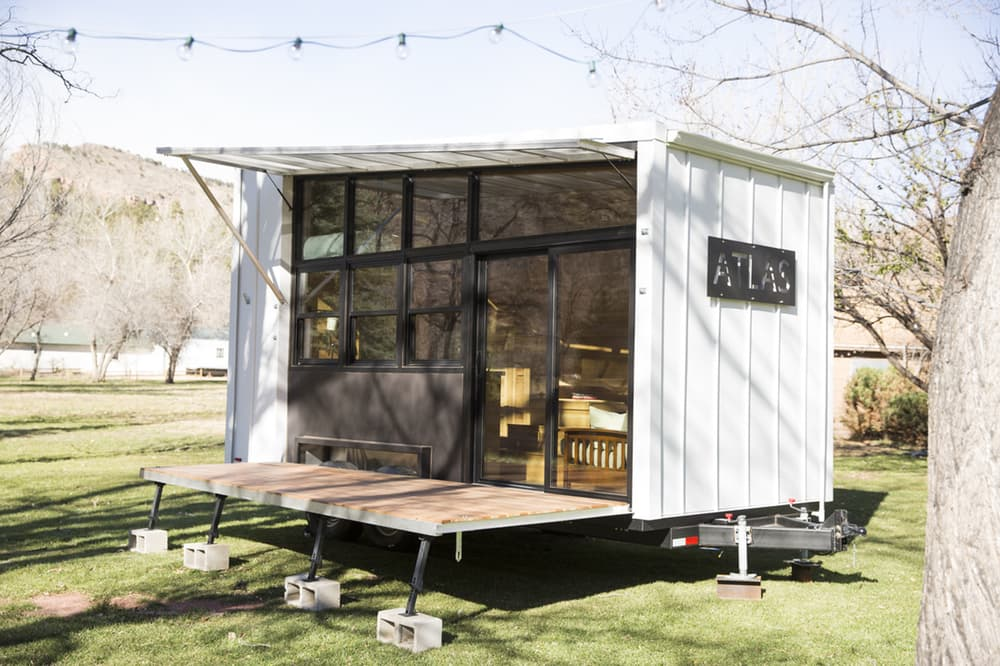 Atlas Tiny house on wheels porch