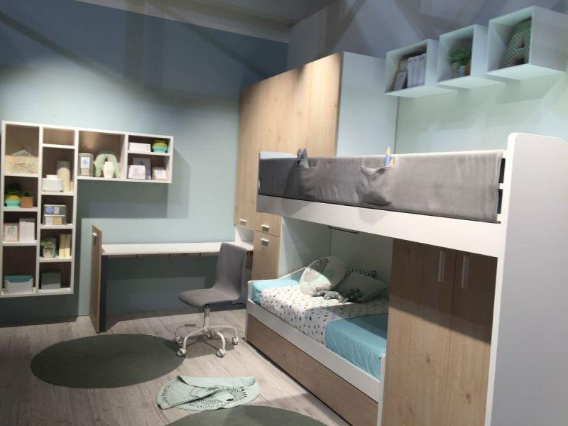 Bunk beds for teenage room