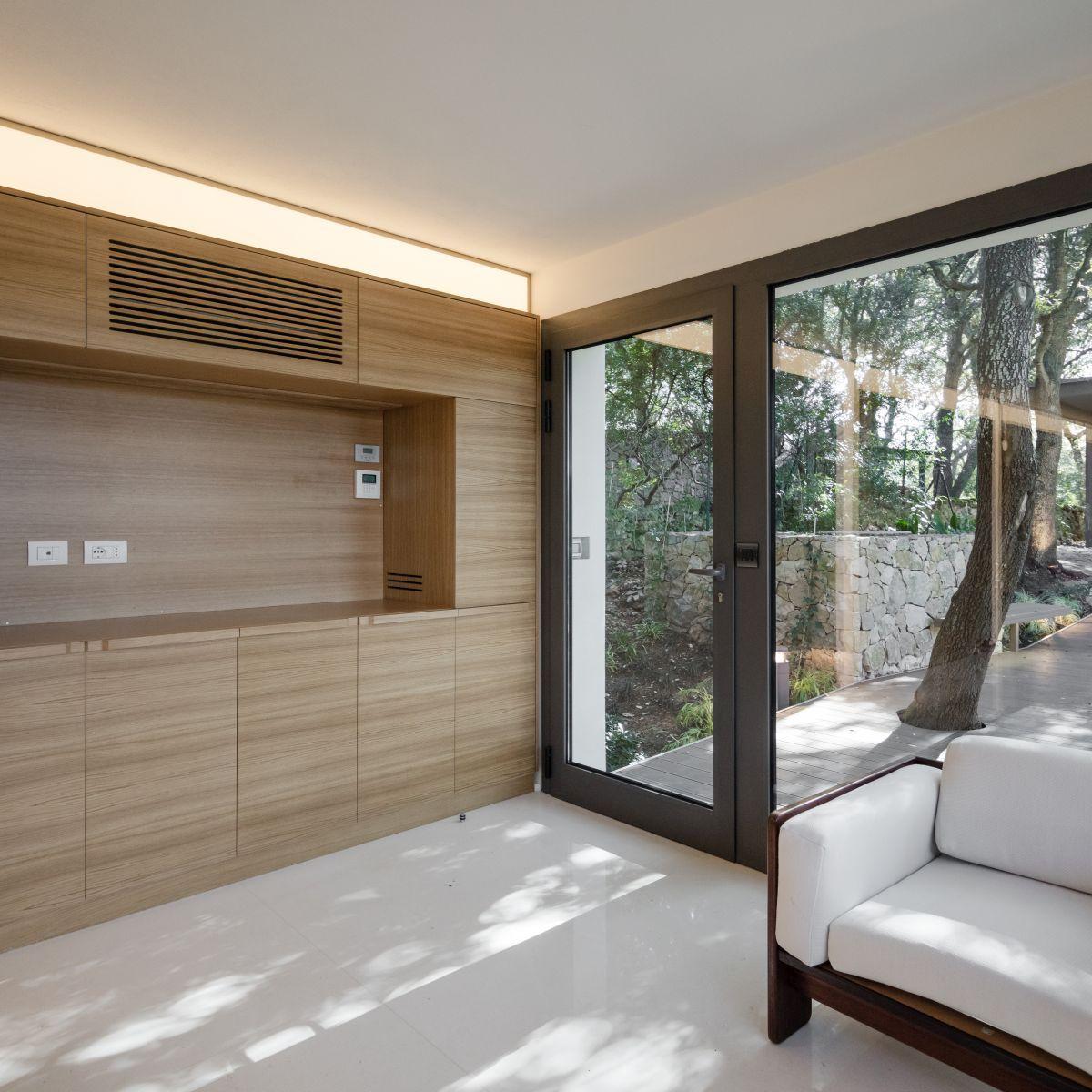 Casa nel Bosco living room door to terrace