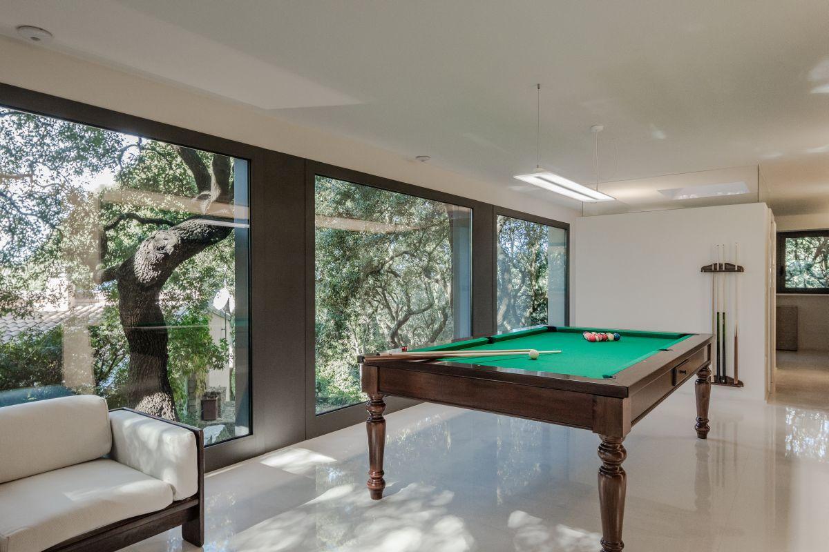 Casa nel Bosco pool table in game room
