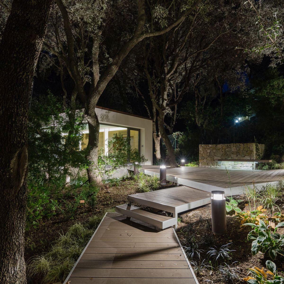 Casa nel Bosco walkway at night
