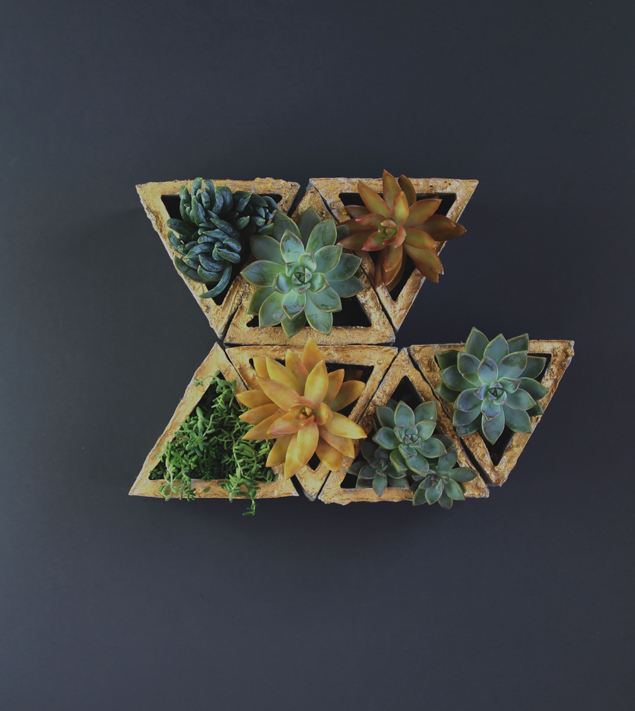 Concrete modular geometic wall planter