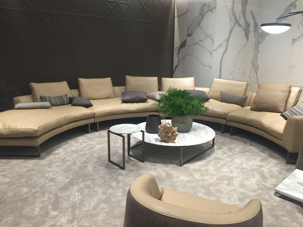 A selection of unique coffee tables for revamped living rooms for Curved sofa table for sectional