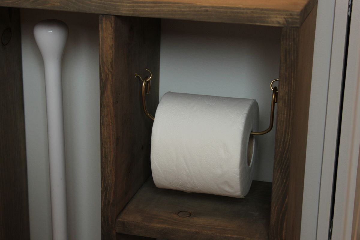 Cool Toilet Paper Storage: DIY Simple Brass Toilet Paper Holder
