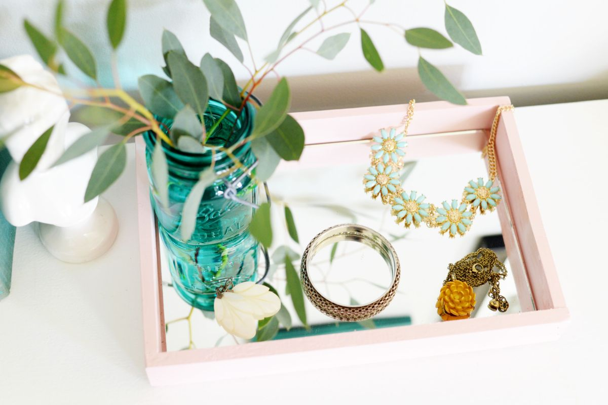 diy mirrored tray