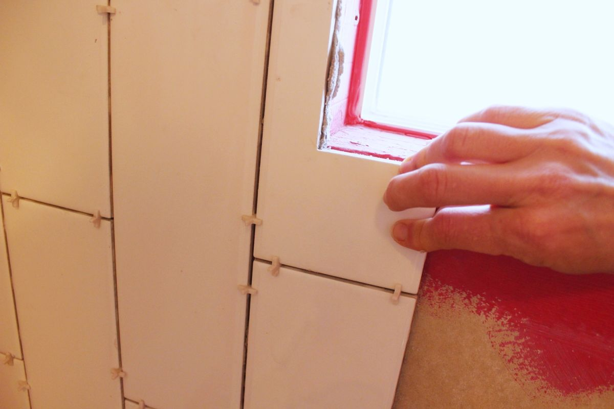 DIY Tile Shower Tub Surround-adjust the angles