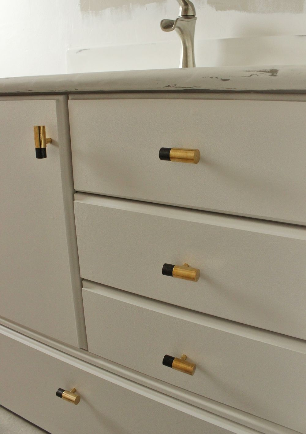 DIY Upgrade Bathroom Vanity - gold knobs