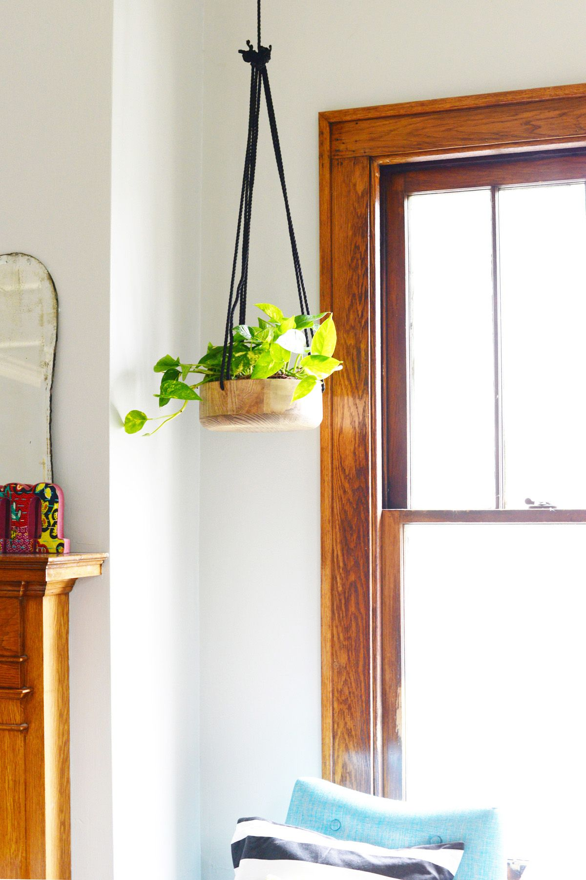DIY Wooden Hanging Planter - rope