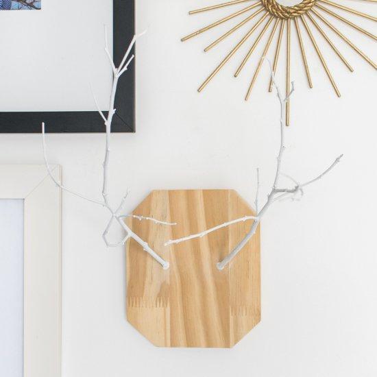 DIY antler wall hanging