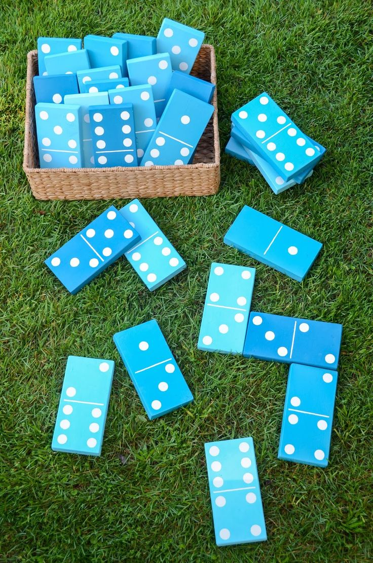 DIY backyard dominos
