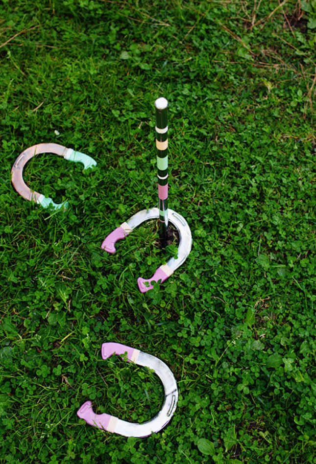DIY pastel horseshoes