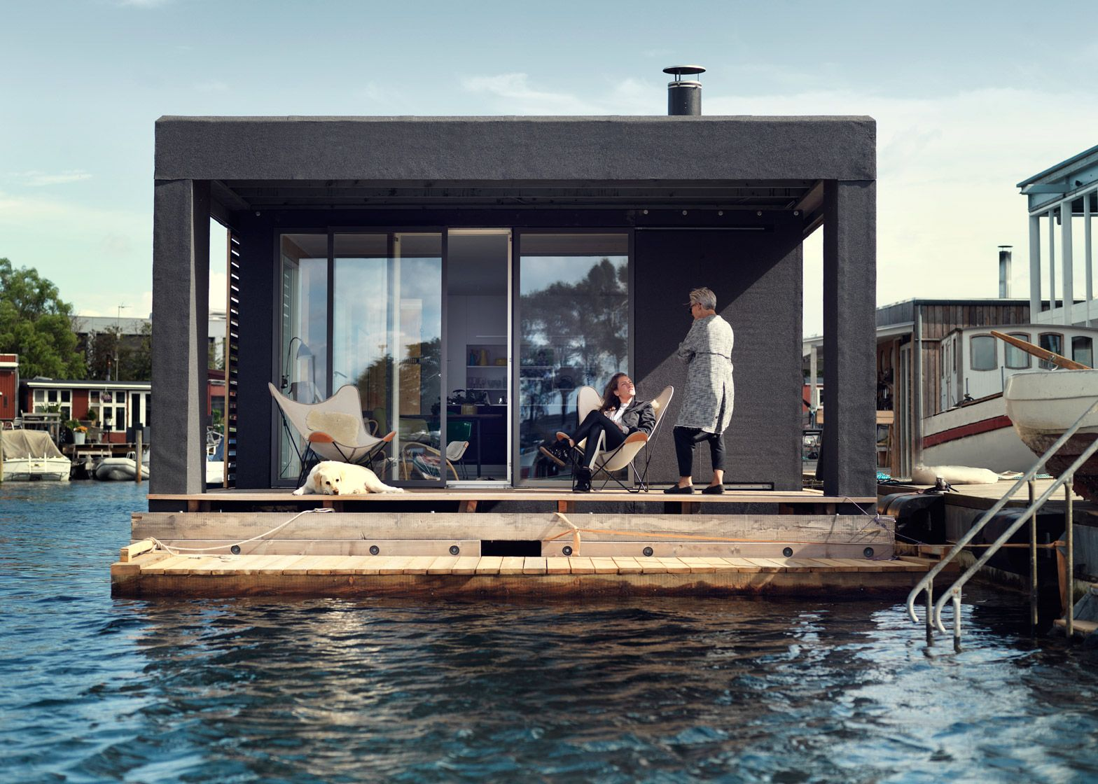 Houseboats Take Comfortable Living To The Open Waters