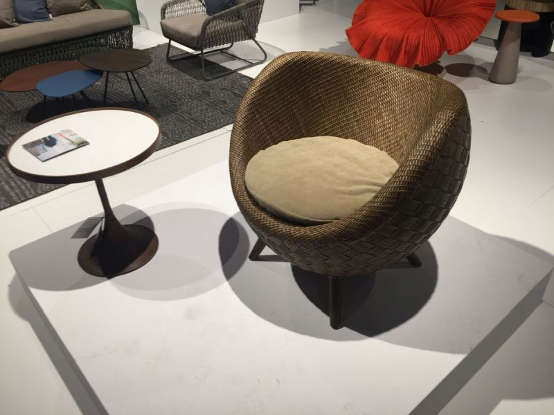 Egg style rattan chair for living