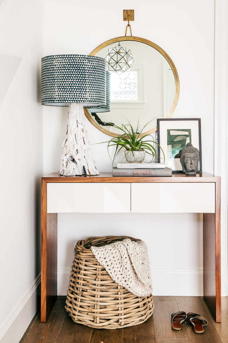 11 tips for styling your entryway table for Table inspiration scandinave