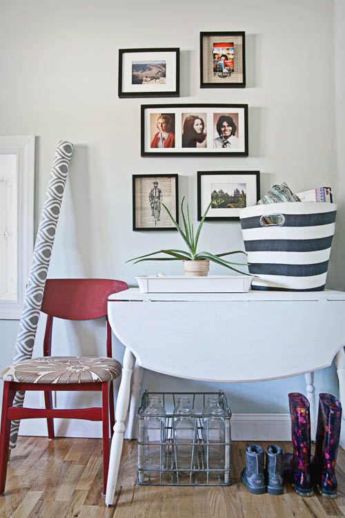 Family photo entry table