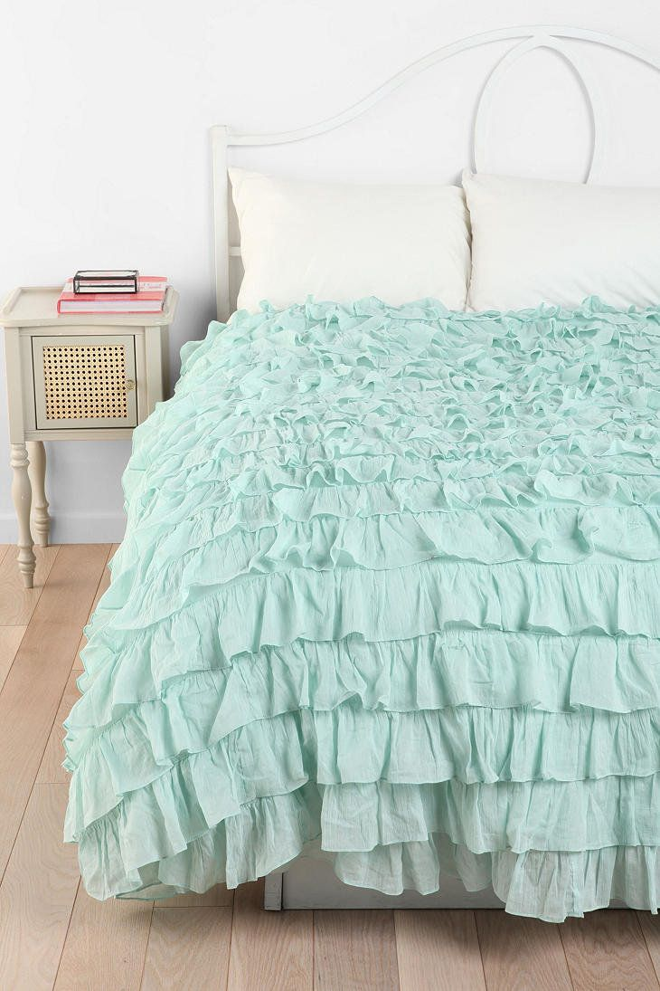 Feminine mint bedding