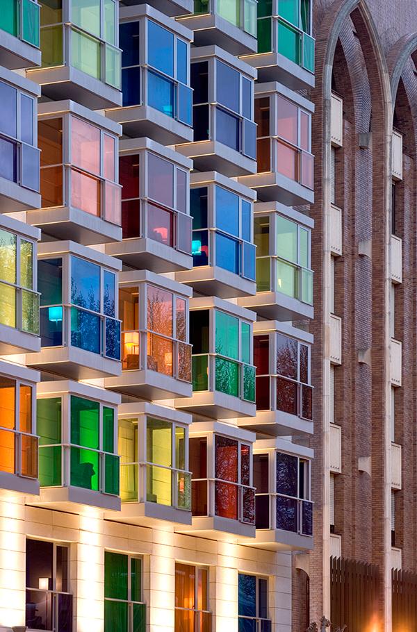 Four star buikding hotel facade